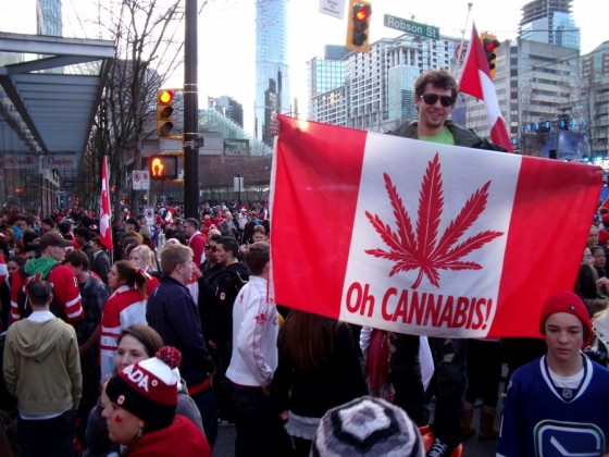 cannabis-flag-crowds-560x420