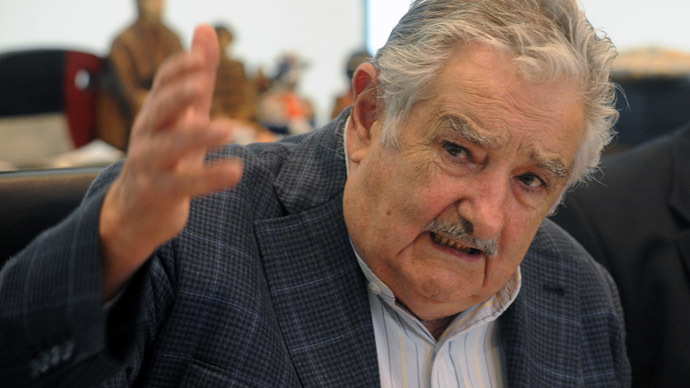 Ride with the president! Uruguay's Mujica picks up a young hitchhiker - truthinsideofyou