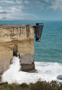 house_on_the_cliff