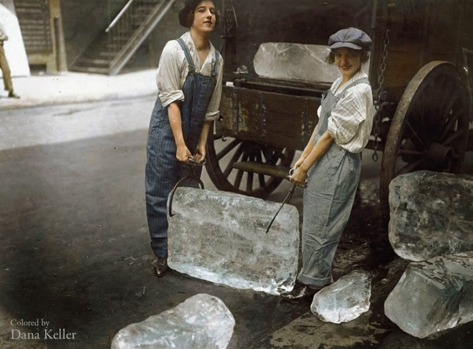 Girls delivering ice, 1918.