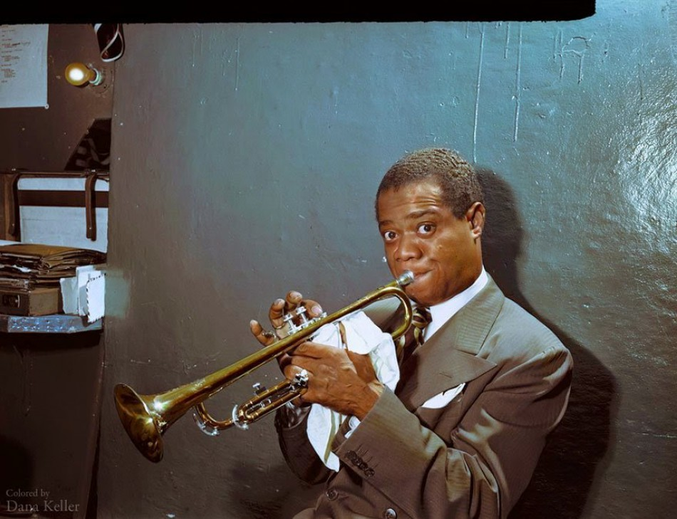 Louis Armstrong rehearse in his dressing room, approx. 1946