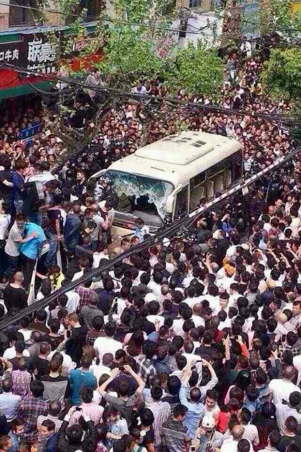 Revolution In China Against Police Brutality - Four Officers KILLED By Crowd