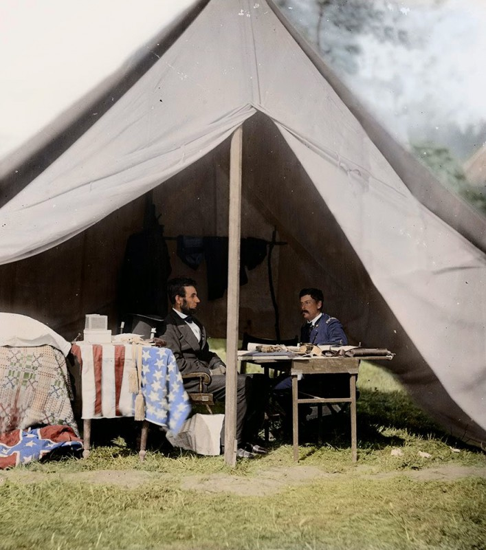 The President Lincoln meets with General McClellan, September 1862.