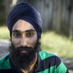 Sikh Removes Turban To Help Injured Boy