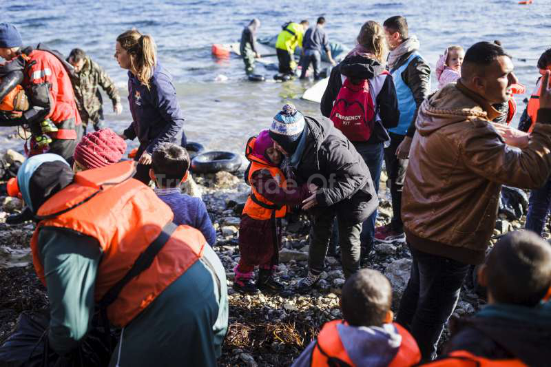 Over one million sea arrivals reach Europe in 2015
