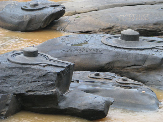 sahasra-linga-01-River in India drained revealing thousand ancient secrets