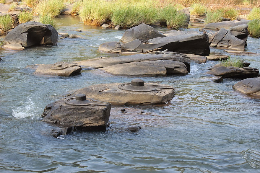 sahasra-linga-06-River in India drained revealing thousand ancient secrets