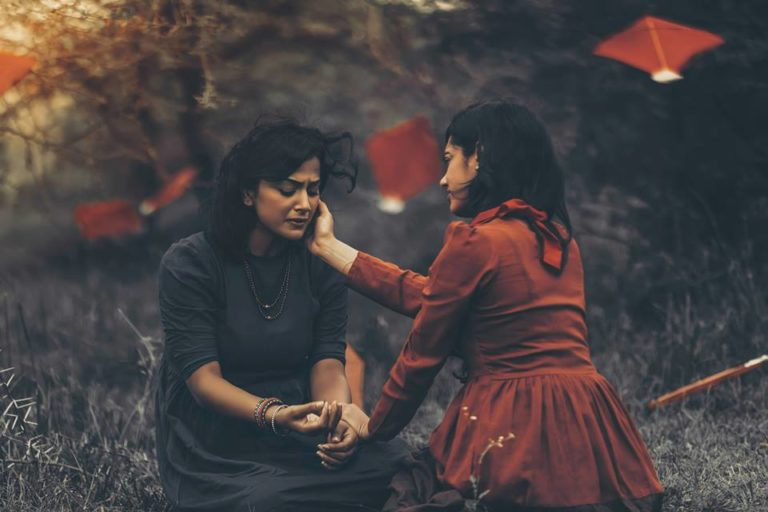 photographer-tells-tragic-indian-lesbian-story-through-30-heartbreaking-photos-15