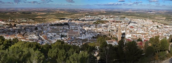 this-spanish-city-pays-everyone-1200-euros-a-month-and-gives-everyone-a-free-house-2