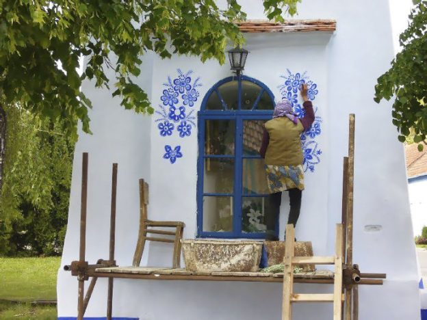 90 Year Old Czech Grandma Transforms a Village Into An Art Gallery.10
