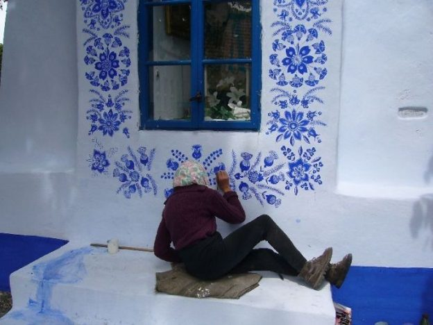 90 Year Old Czech Grandma Transforms a Village Into An Art Gallery.6