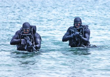 A Former Navy Seal Reveals 4 Secrets To Boosting Mental Toughness.