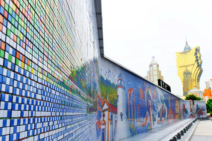 These Artists Twist Thousands of Rubik's Cube a Day to Create Massive Murals.11