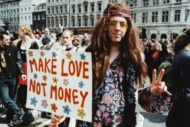 These 25 Photos Show Just How Far Out The Hippies Really Were (1)