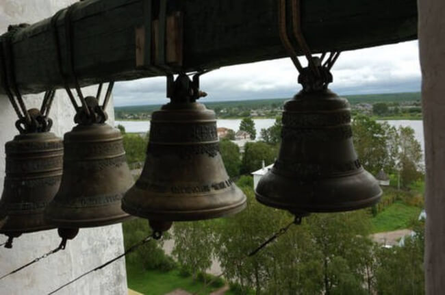 3. Church-bell ringing on their own- 1445 and 1802 in Moscow, 1091 in Kiev. Which one is related to 'doomsday'