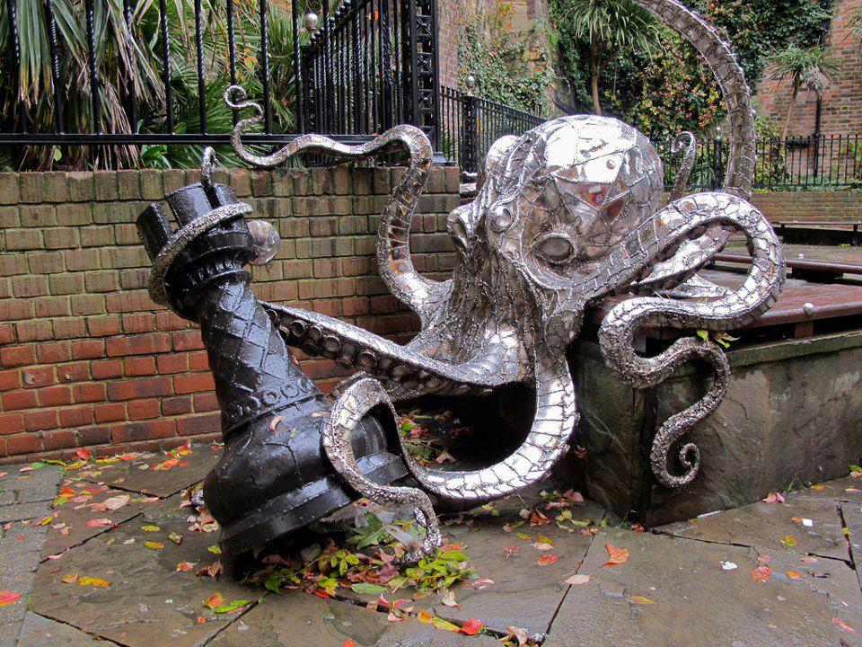 23. Octopus Chess, George Street, England.