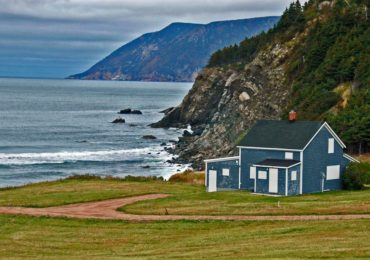 This Small Canadian Town Will Give Land & Job To Anyone Willing To Move There
