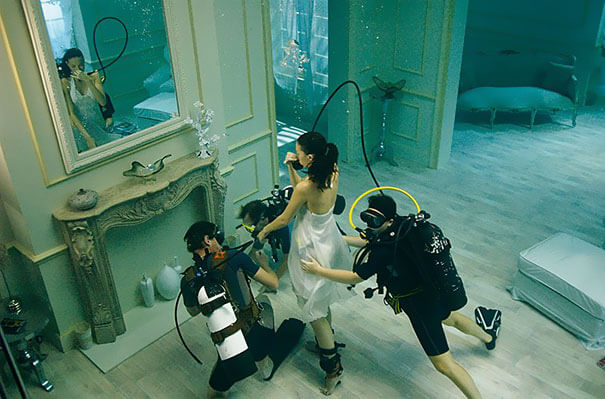 13. It is a real room, with the girl floating.-2
