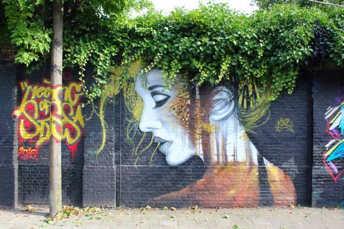 15+ Amazing Photos Of Street Art Fusing With Nature-17