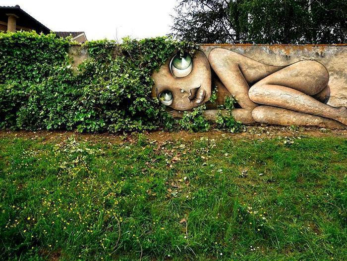 15+ Amazing Photos Of Street Art Fusing With Nature-18
