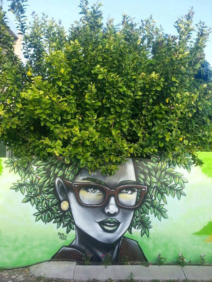 15+ Amazing Photos Of Street Art Fusing With Nature-3
