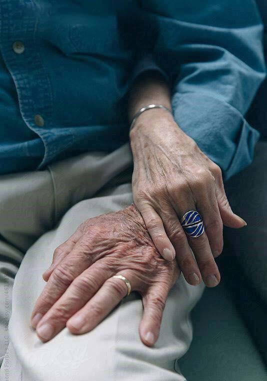 These Elderly Couple Photos Show That True Love Has No End-13