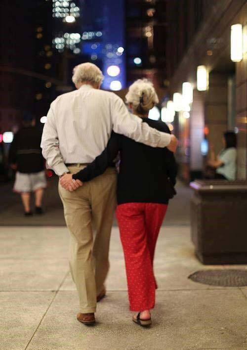 These Elderly Couple Photos Show That True Love Has No End-15