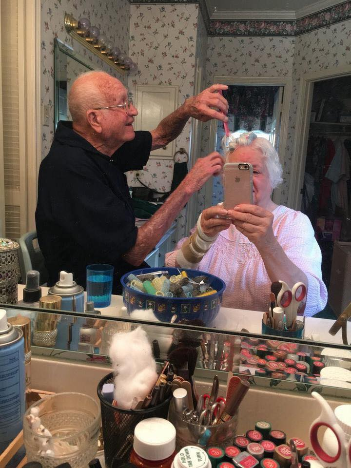 These Elderly Couple Photos Show That True Love Has No End-19