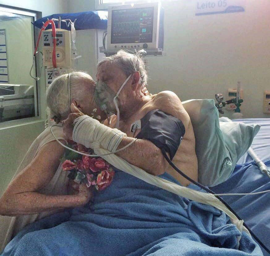 These Elderly Couple Photos Show That True Love Has No End-5