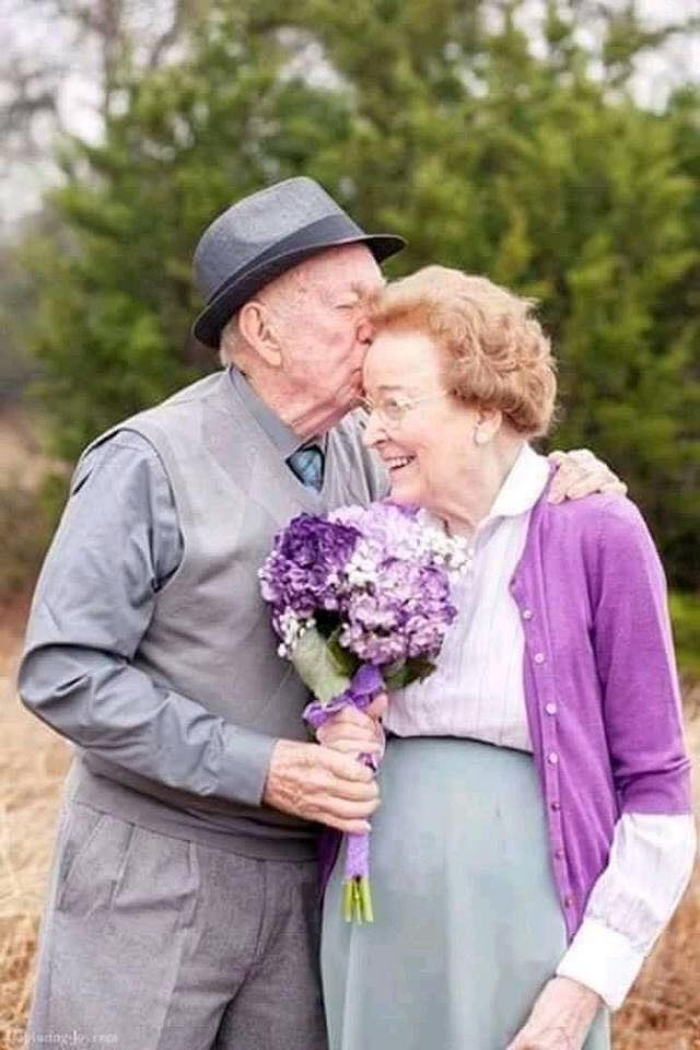 These Elderly Couple Photos Show That True Love Has No End-6