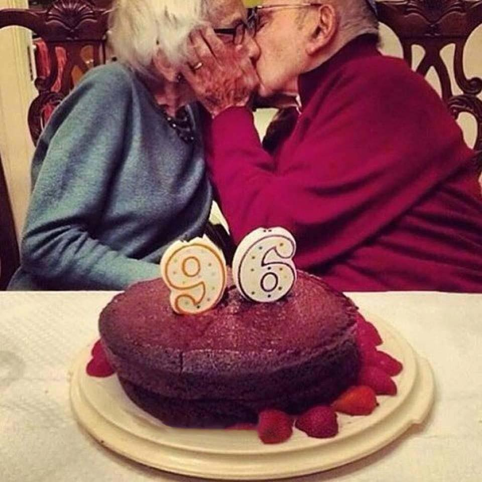 These Elderly Couple Photos Show That True Love Has No End-8