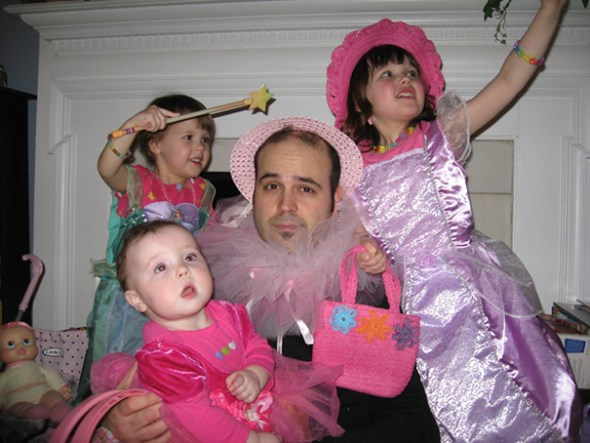 These Hilarious Dads Will Do ANYTHING For Their Daughters-15