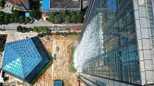 350 feet waterfall skyscraper