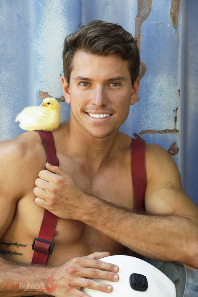 Australian Firefighters Pose Topless With Animals For 2019 Charity Calendar - 15