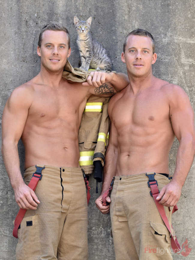 Australian Firefighters Pose Topless With Animals For 2019 Charity Calendar - 9