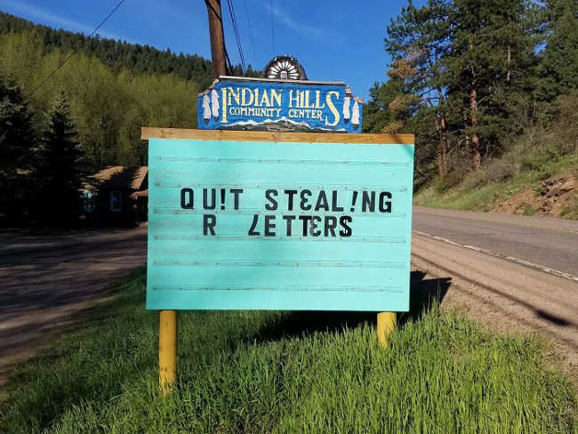 Funniest Signs Are Covering the Streets of Colorado - 16
