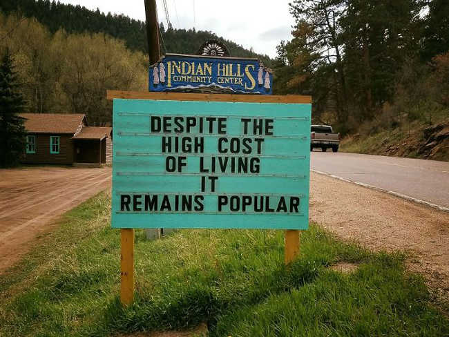 Funniest Signs Are Covering the Streets of Colorado - 18