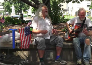 Homeless Herbie Voice Singing Hallelujah Will Give You Goosebumps