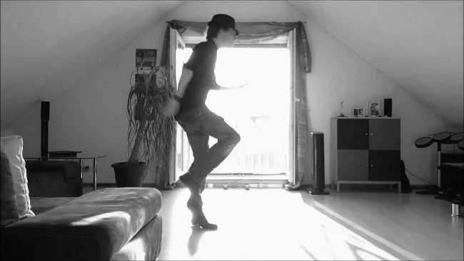 Spectacular Moves on Home Camera takes the Internet by Storm-2