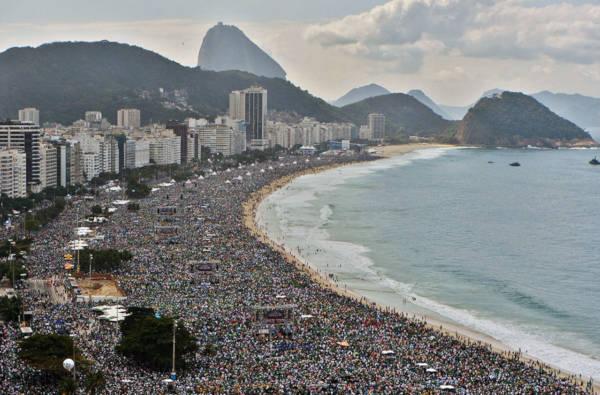 2. The Rio De Janeiro Beach - 2