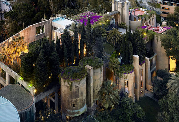 Architect Turns Old Cement Factory Into His Home, And The Interior Is Mindblowing - 6