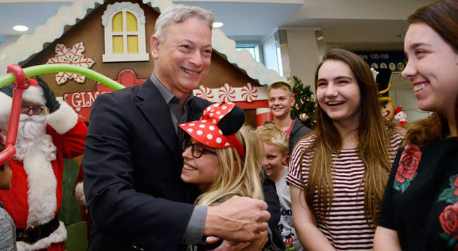 Gary Sinise Flies Kids Of Fallen Soldiers - 2
