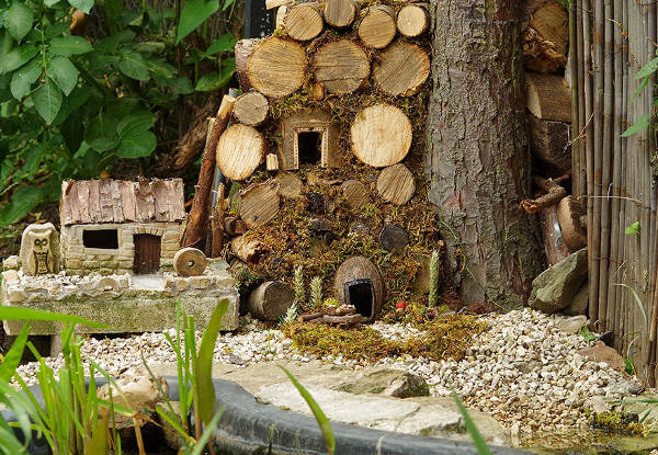 Photographer Discovers A Mice Family In His Garden And Built An Amazing Miniature Village For Them - 2