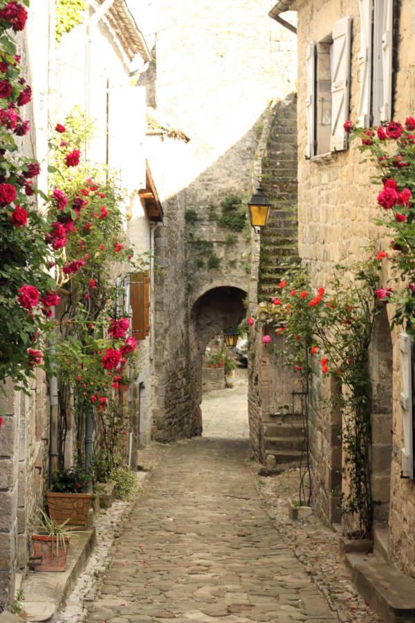 17. Village de Penne in France - 1