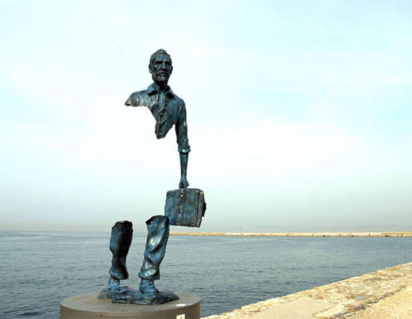 8. Les Voyageurs By Bruno Catalano