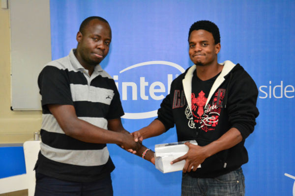 25-Year-Old Kenyan Invented Smart Gloves That Convert Sign Language Into Audio Speech - 4