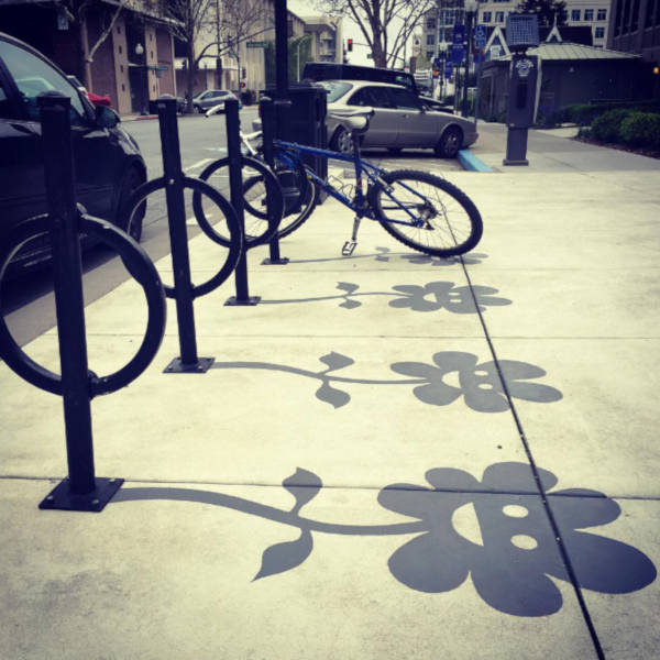 Creative Street Artist Adds Fake Shadows To Confuse People - 4
