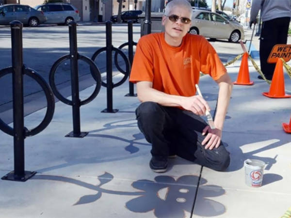 Creative Street Artist Adds Fake Shadows To Confuse People - 5