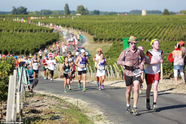French Marathon Where Contestants Drink Wine And Eat Cheese - 1
