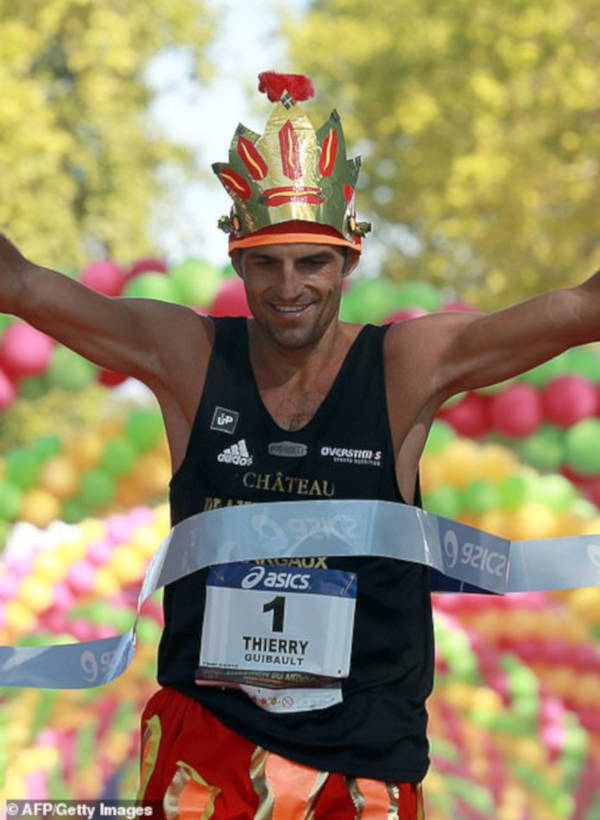 French Marathon Where Contestants Drink Wine And Eat Cheese - 2